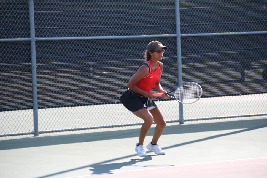 Longview no match for tennis team in non-district action