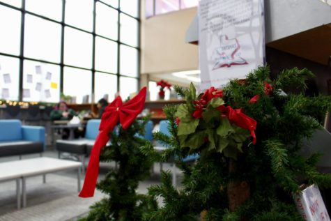 Tis the season: Coppell High School spices up halls with Christmas decorations
