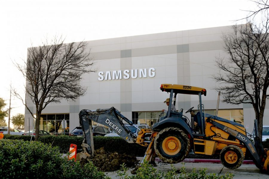 Samsung+Electronics+is+expanding+its+warehouse+located+in+Coppell+to+add+more+office+and+storage+space.+The+renovations+are+scheduled+to+be+complete+by+April+30+at+cost+of+%243.8+million.