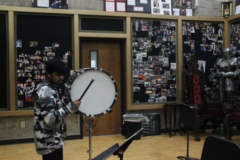 On the Spot: Fine arts students in tight quarters during band hall renovations (with video)