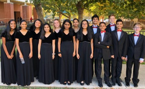 Freshman Sumita Bhattacharyya (third from the left) stands with the 9/10 Honor Choir in November. Bhattacharyya sings on Kantorei choir at Coppell High School and has an Instagram account dedicated to music (@justsumsinging). Photo courtesy Sumita Bhattacharyya