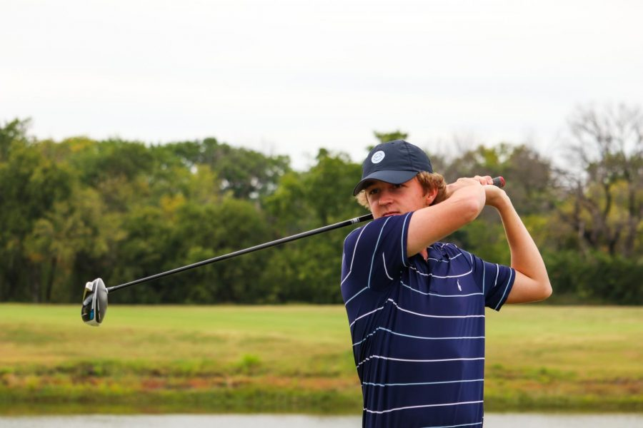 Coppell senior Zach Frazer practices his tee shot during golf practice at Riverchase Golf Club on Thursday,  October 15th. Frazer quit playing soccer his sophomore year of high school to instead pursue golf full-time.