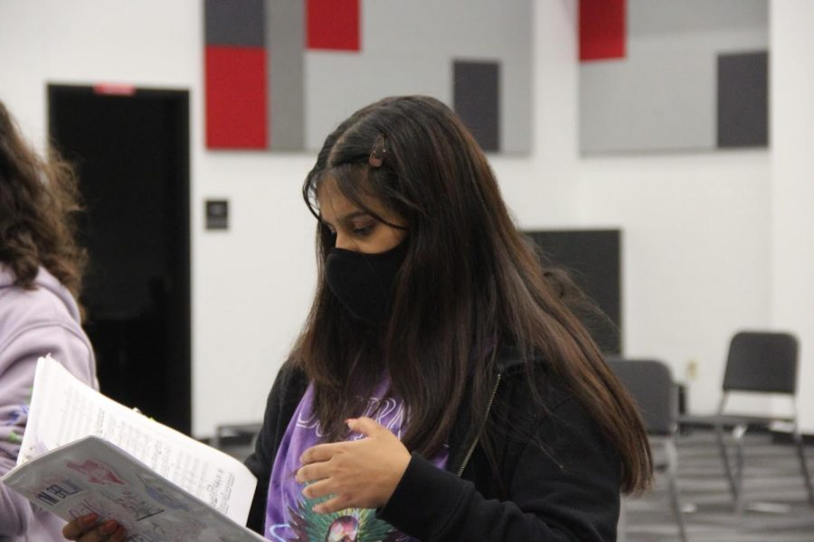 New Tech High @ Coppell junior Faiza Rahman practices a piece in Coppell choir director Bona Coogles seventh period class on Nov. 2. With COVID-19 restrictions put in place by the Center for Disease Control, choir competitions and performances have been held online.