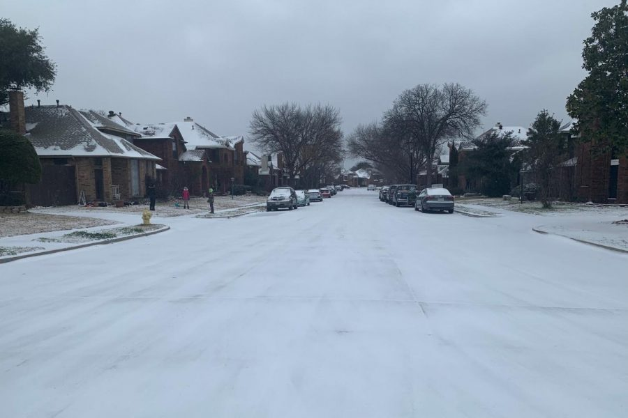 The streets of Coppell are covered with snow and are in freezing temperatures. Due to the recent loss of power, students have had to adjust to the difficulties in many ways such as turning on the fireplace and going to warm homes.