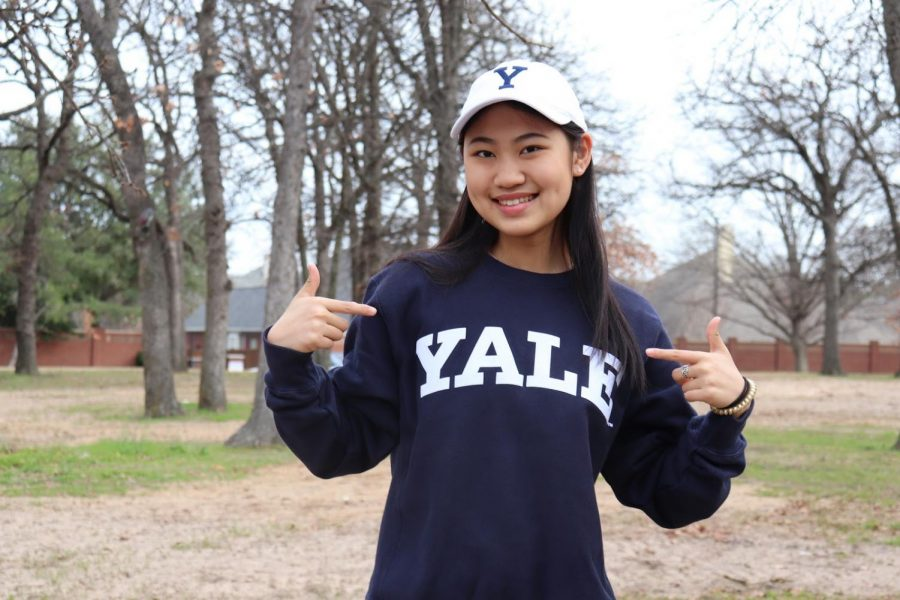 Coppell+senior+Helen+Tan+committed+to+Yale+for+fencing+in+March+2020.+Tan+has+been+fencing+for+about+nine+years+and+has+been+part+of+and+traveled+with+the+U.S.+Junior+Olympic+team+for+the+past+five+years.+