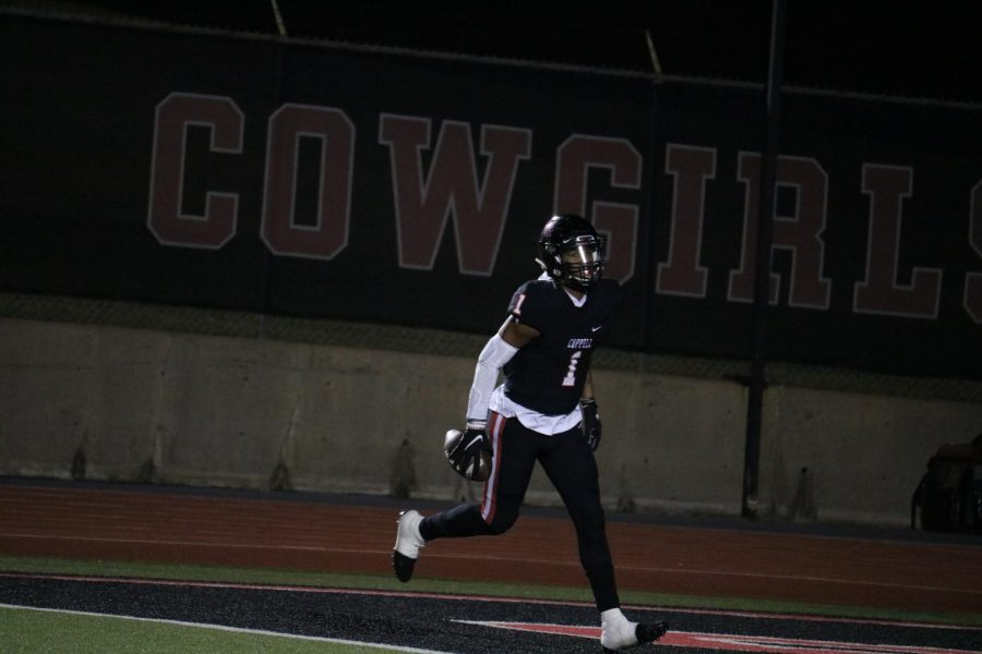 Coppell senior wide receiver KJ Liggins was selected for the first team offense All-District 6-6A team.