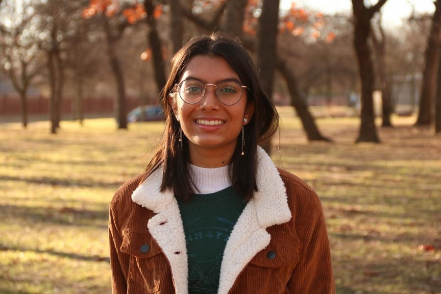 Coppell+High+School+sophomore+Roma+Patel+leads+the+gardening+committee+for+the+CHS+EcoClub+through+her+position+as+vice+president.+The+Eco+Club%E2%80%99s+goal+is+to+bring+together+a+community+focused+on+helping+the+environment+throughout+Coppell.