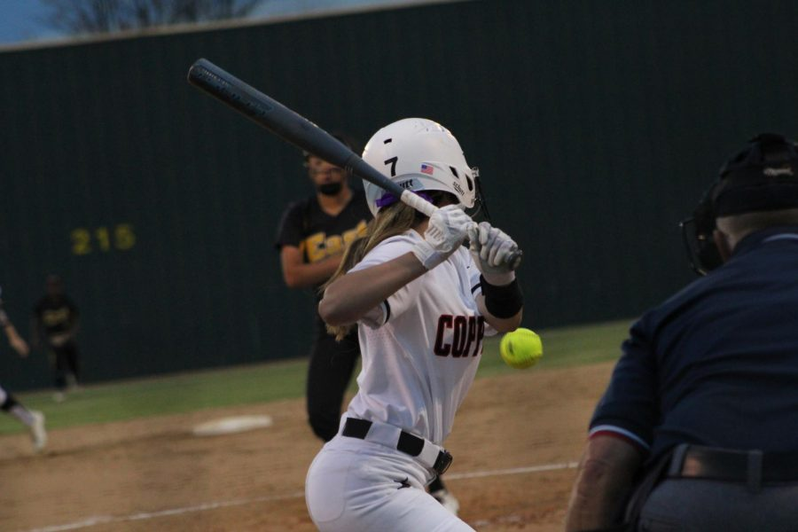 Coppell+senior+second+baseman+Laura+Boylan+bats+against+Plano+East+at+the+Coppell+ISD+Baseball%2FSoftball+Complex+Tuesday+night.+Coppell+defeated+Plano+East%2C+11-1.