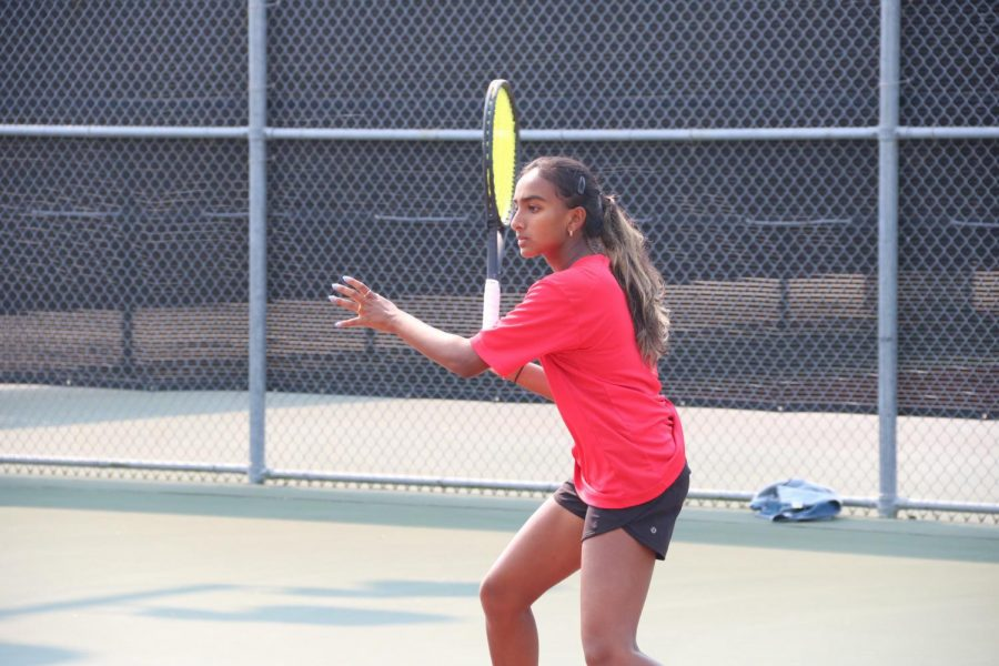 Coppell+junior+Lakshana+Parasuraman+and+Coppell+senior+Nandini+Thallapareddy+won+both+sets+with+scores+of+6-3%2C+7-6+at+Saturday%E2%80%99s+doubles+match+against+Tyler+Legacy%E2%80%99s+Audrey+Deatherage+and+Sara+Fry.