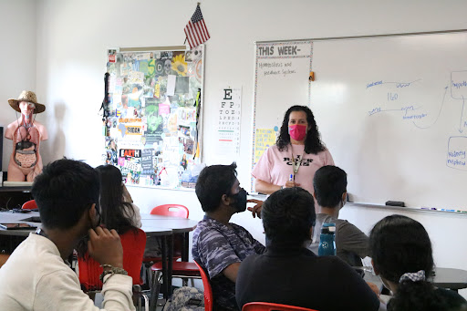 Coppell High School anatomy and physiology teacher Jodie Deinhammer instructs her fifth period class on Wednesday. Deinhammer returned to CHS and was the Coppell Middle School East science and gardening teacher for five years.